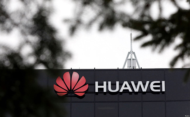 Huawei founder denies accusation of stealing trade secrets